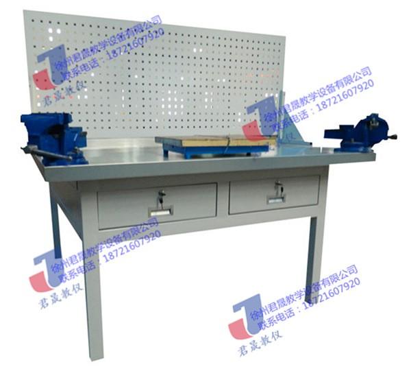 JS-QG1型 单面豪华钳工实训台(两工位)